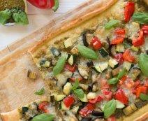 Grillezett zöldséges pizza