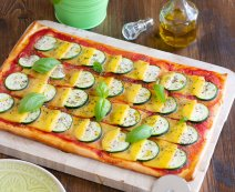 Vegán pizza cukkinivel