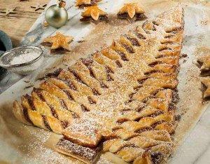 Karácsonyfa leveles tésztából