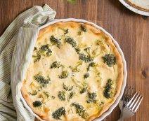 Tejfölös quiche brokkolival és karfiollal