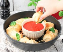 Sonkás-gombás pizzagolyók
