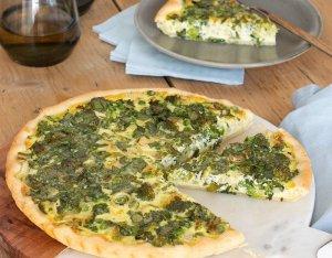 Medvehagymás-zöldséges quiche